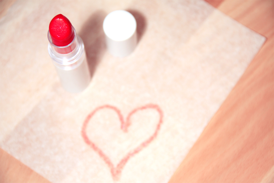 love-heart-makeup-beauty-nlbm